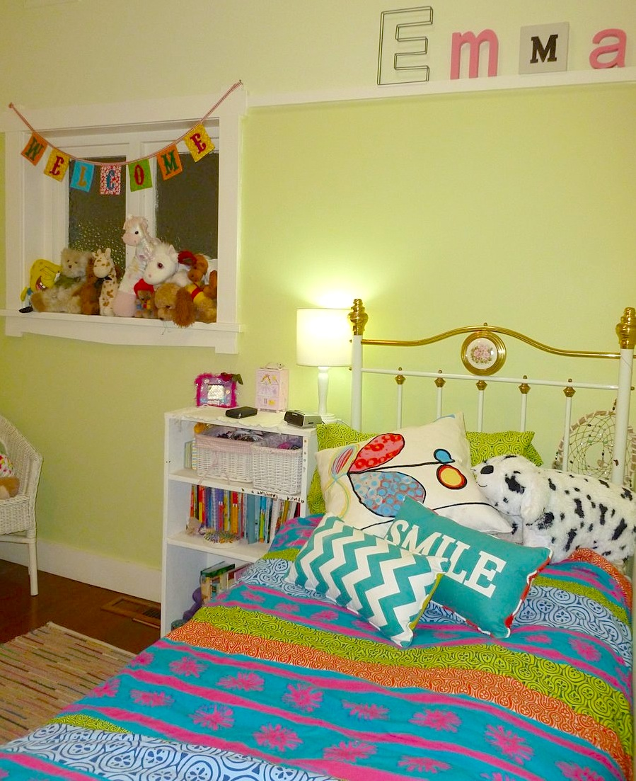 Emma bedroom P1020608