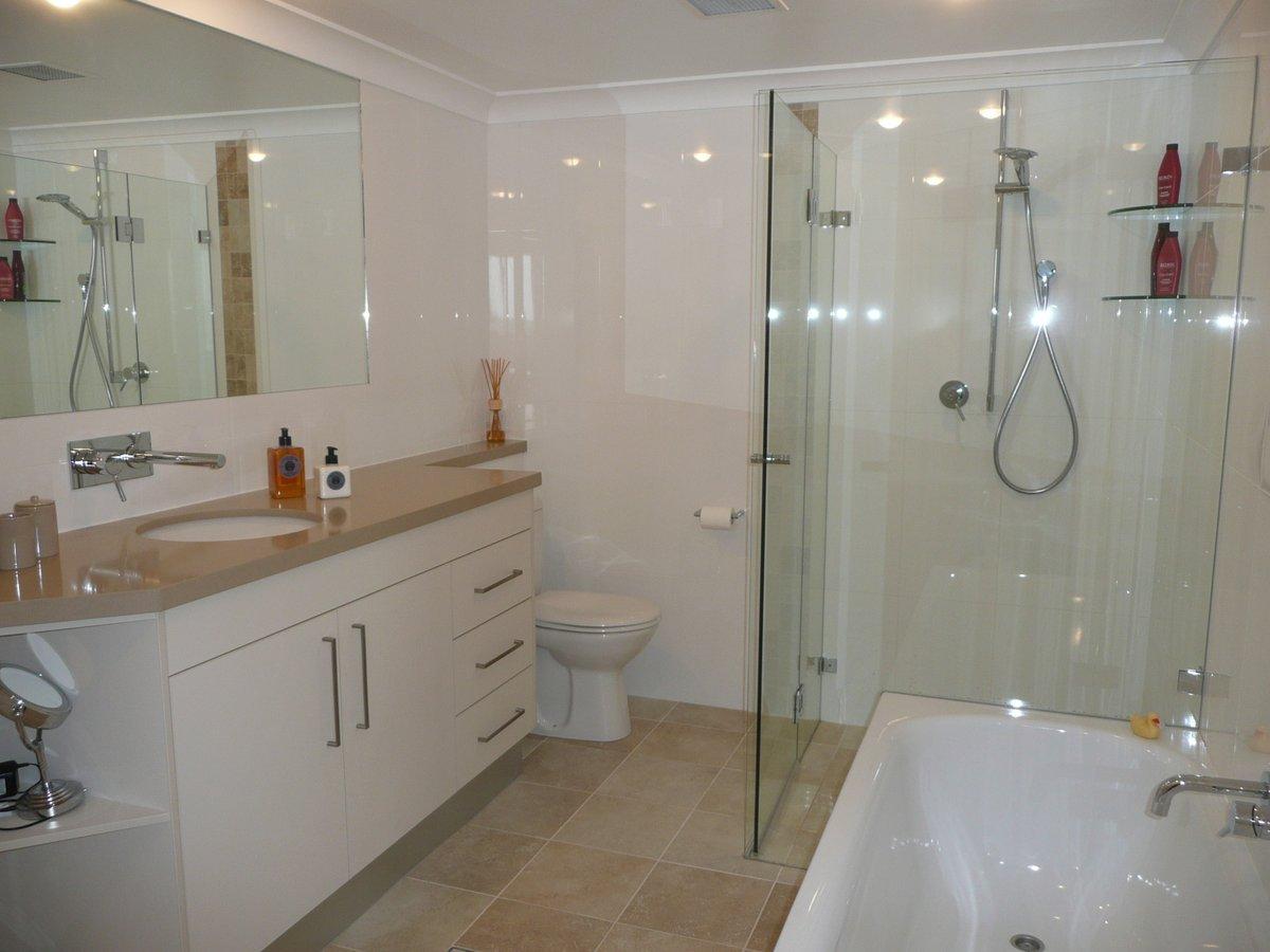 North Sydney apt - bathroom after P1030259